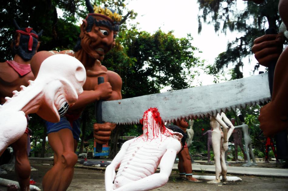 Tour-Through-Buddhist-Hell - Suphanburi-Hell-Temple-07