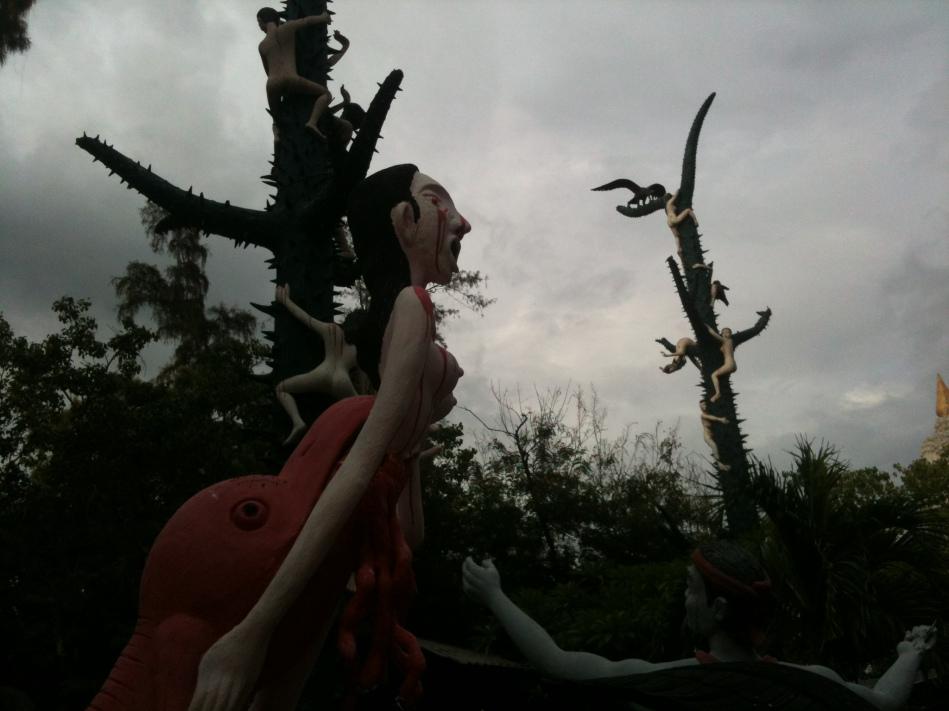 Tour-Through-Buddhist-Hell - Suphanburi-Hell-Temple-14
