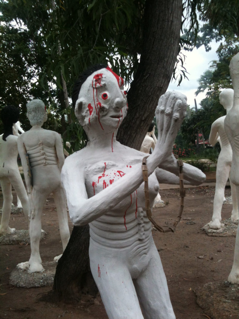 Tour-Through-Buddhist-Hell - Suphanburi-Hell-Temple-37